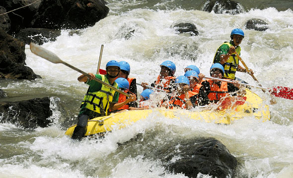 kaeng-hin-phoeng-river-white-water-rafting