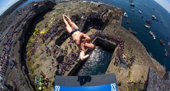 10-Biggest-Cliff-Dives-from-around-the-world