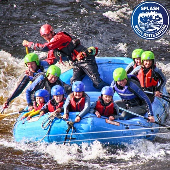 family-white-water-rafting